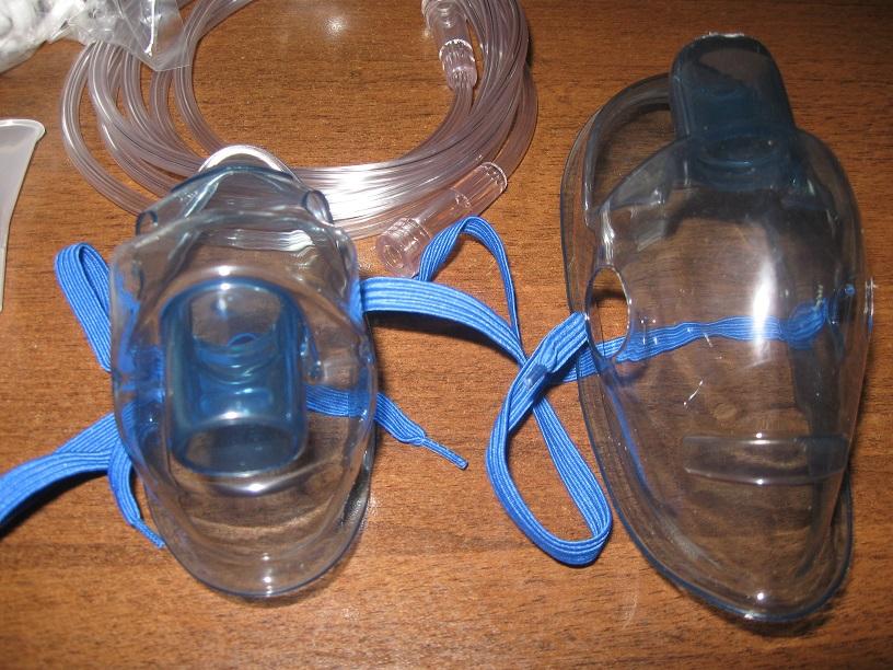 Две маски для использования ингалятора